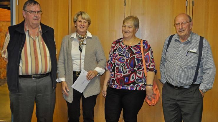 von links: Klaus Christen, Annemarie Santi (Siegerin), Heidi von Allmen, Ernst Bollier