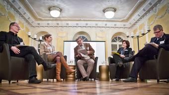 Max Chopard, Lara Kim Schweri, Moderator Mathias Küng, Sylvia Flückiger und Daniel Knecht (v.l.) im «Limmathof» in Baden.Chris Iseli