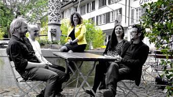 Johannes Schlatter (Bass und Gesang), Cyrill Wangart (Gitarre), Roswita Schlatter (Gesang, Piano, Gitarre), Elian Frei (Gesang) und Philipp Klay (Schlagzeug, von links) sind zusammen «Roswita und Band». zvg