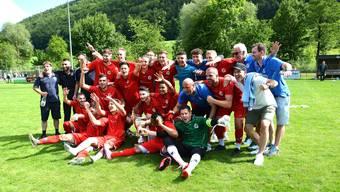 Drei Jahre nach dem Abstieg wird der FC Grenchen 15 Solothurner Meister und kehrt in die 2. Liga inter zurück.