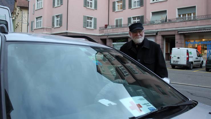 Ernst Kündig ist mit seinen 77 Jahren der älteste der Freiwilligenfahrer.