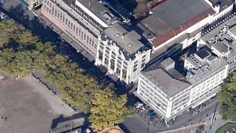 Zürcher Bellevue: Verwirrter Mann löst wegen Druckluftpistole Grosseinsatz der Polizei aus.
