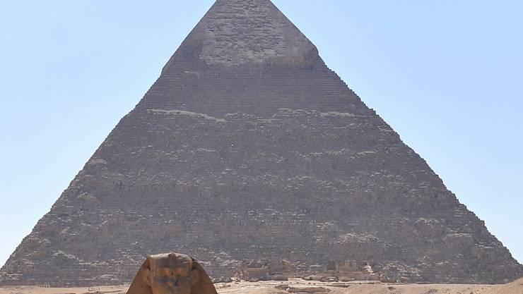 Ganz in der Nähe der Pyramiden in Kairos Schwesterstadt Giseh explodierte eine der Bomben am Donnerstag in Ägypten (Archiv-Aufnahme von Juli 2013).