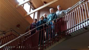 Sie setzten sich für die Seniorinnen und Senioren ein (v.l.): Susanne Stulz, Susanne Plüss, Hans Gysel, Otto Eggimann und Nick Wettstein. Ebenfalls bei der Arbeitsgruppe mit dabei sind Beat Suter und Hans Albisser. Dominic Kobelt