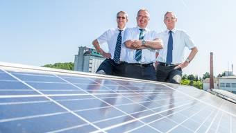 Stadtrat Martin Steinmann, SWL-VR-Präsident, mit Geschäftsleiter Markus Blättler und Finanzchef René Trost (v.l.).