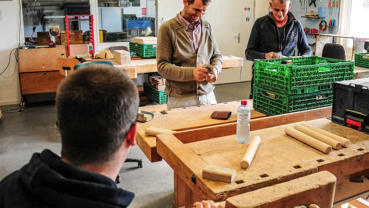 In der Trinamo-Schreinerei am Gewerbering in Wohlen wird unter anderem auch das bekannte Kubb-Spiel hergestellt. Toni Widmer