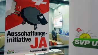 Mit diesem umstrittenen Plakat warb die SVP 2010 für die Ausschaffungsinitiative.