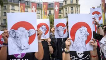 Tierschützer – hier bei einer Protestaktion in Genf – sind nicht mehr einsame Kämpfer.