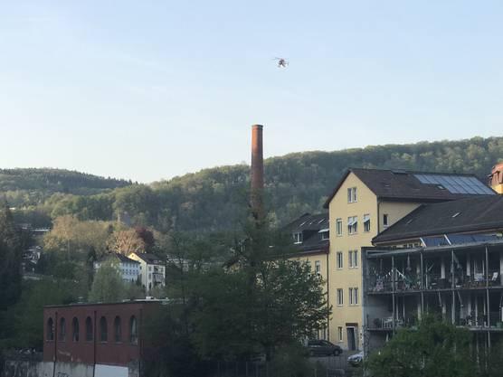Die Einsatzkräfte suchen die Limmat zwischen Baden-Kappelerhof und Baden ab.