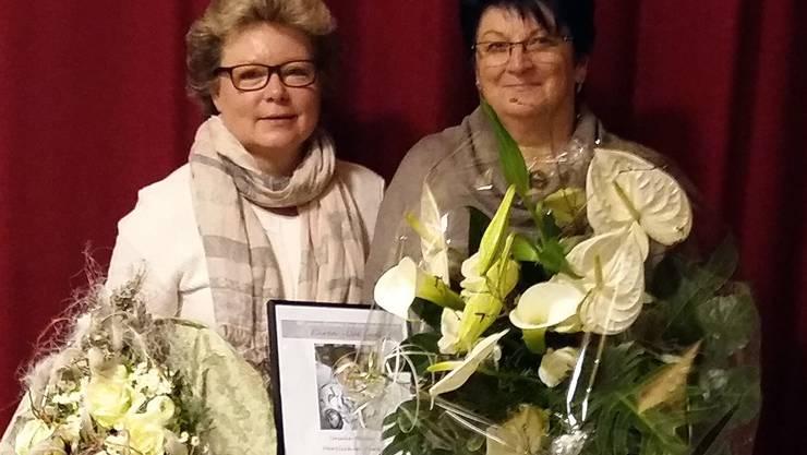 Präsidentin Erika Fuchs dankt Ursula Meier für 30 Jahre treue Vorstandsarbeit