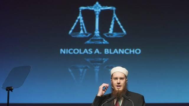 Nicolas A. Blancho, Präsident des Islamischen Zentralrats Schweiz, spricht an der Jahreskonferenz
