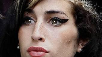 Winehouse bereitet Vater Kummer (Archiv)