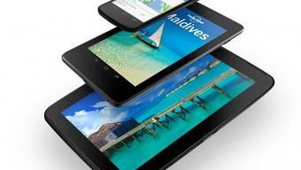 Das Nexus 4-Smartphone, ein Nexus 7-Tablet und das Nexus 10 (v.o.n.u.) (Bildquelle googleblog)