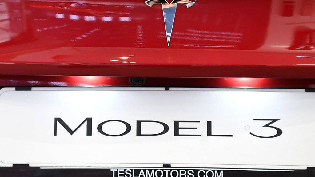 1600 Tesla-Autos stecken am Zoll in China fest. (Archiv)