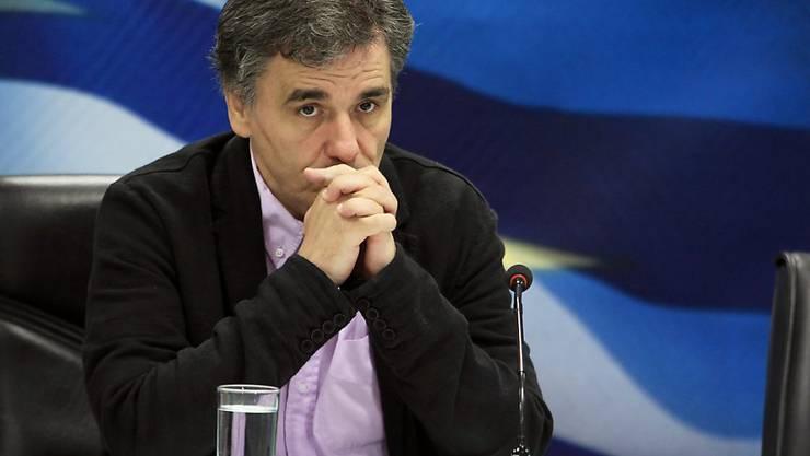 Der griechische Finanzminister Euklid Tsakalotos sprach in London mit Vertretern von Hedge-Fonds  über die Rückkehr Griechenlands an den Anleihe-Markt.
