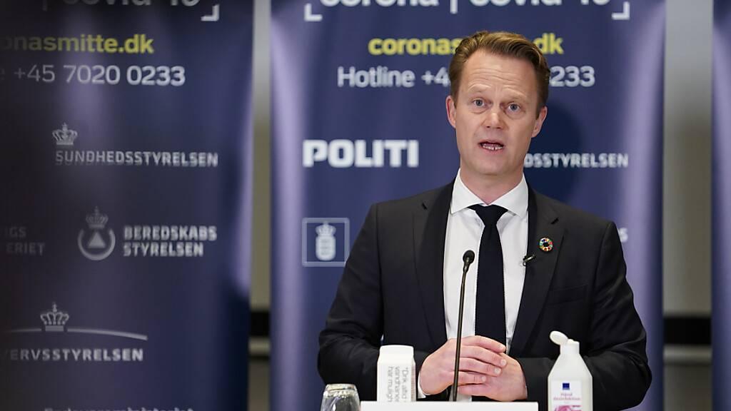 Jeppe Kofod, Außenminister von Dänemark, spricht während einer Pressekonferenz. Foto: Emil Helms/Ritzau Scanpix/AP/dpa