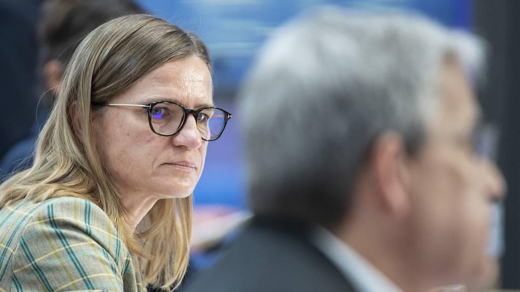 Laut Virginie Masserey vom Bundesamt für Gesundheit (BAG) sind die ersten Impfdosen von Pfizer/Biontech am Dienstag eingetroffen.
