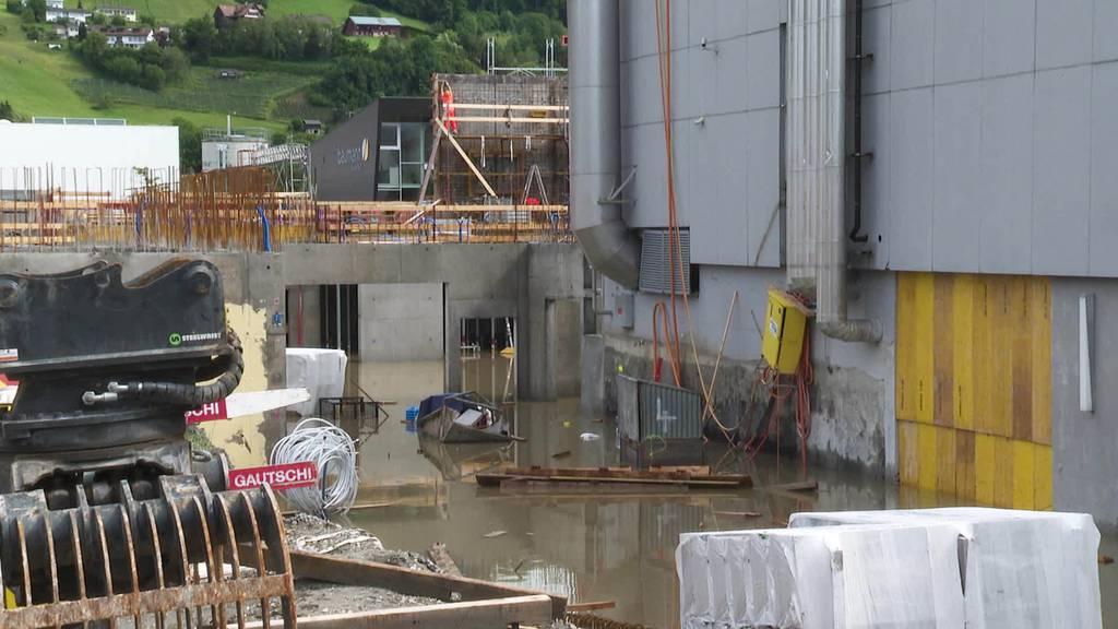 Überflutete Baustellen: Hochwasserwarnung in der Ostschweiz