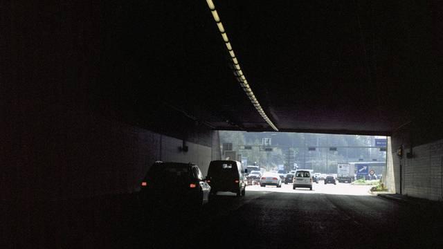 Der Verkehr rollt wieder durch beide Tunnelröhren
