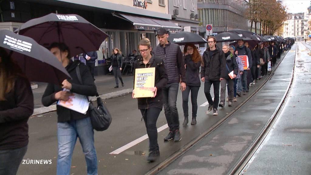 """Walk for Freedom"": Hunderte demonstrieren gegen den Menschenhandel"