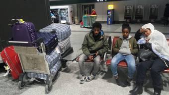 Die eritreische Familie Teklia aus Bern wurde vergangene Woche nach Italien abgeschoben. Die Menschenrechtsorganisation «Augenauf» fordert für die Familie einen Selbsteintritt ins Asylverfahren