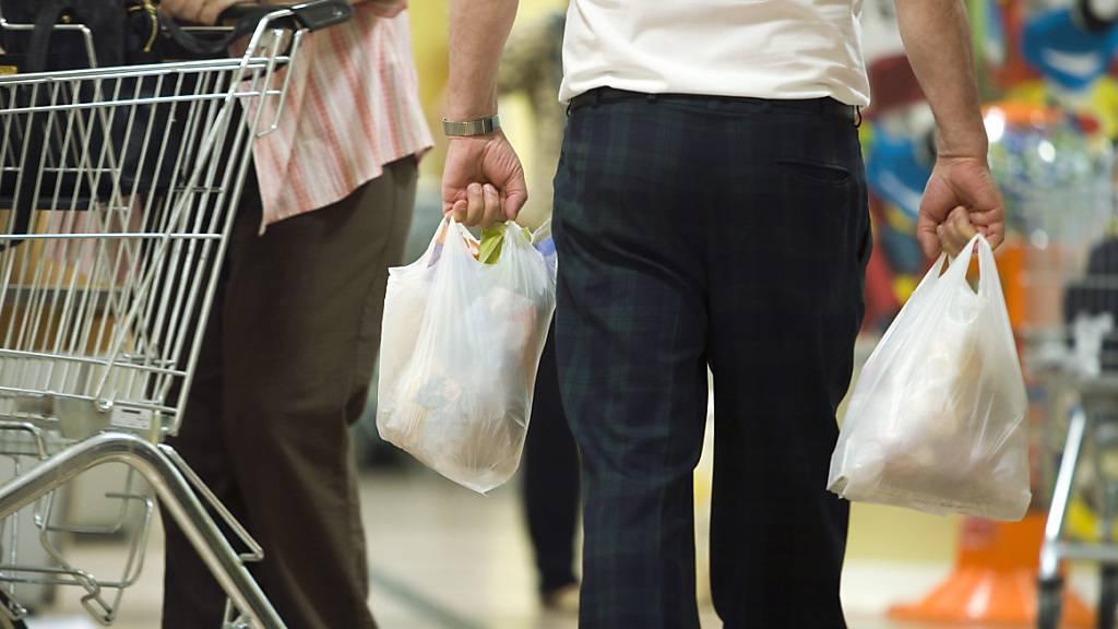 Migros startet zweiten Versuch mit Plastik-Sammelsack