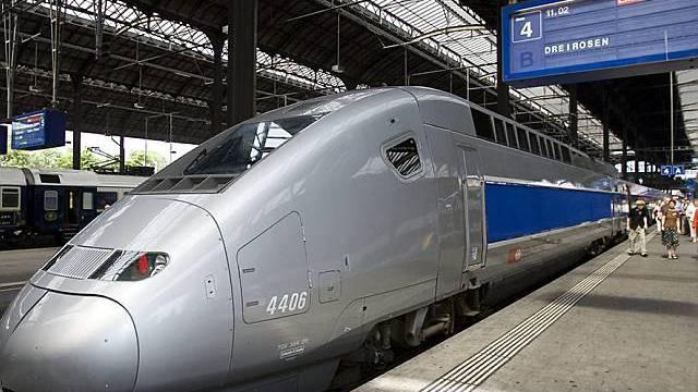 Ein TGV im Bahnhof Basel (Archiv)