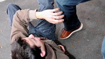 Die vier Schüler sollen im Februar auf einer Studienreise in Berlin ein Paar bedroht und beraubt haben. (Symbolbild)