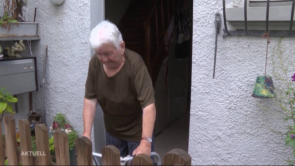 Nachbarschafts-Streit: Hindernisparcours vor Hauseingang
