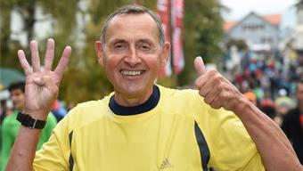 4 und 1: Der 41. Hallwilerseelauf ist für Silvio Bertschi gleichzeitig der 41. Halbmarathon um den See.