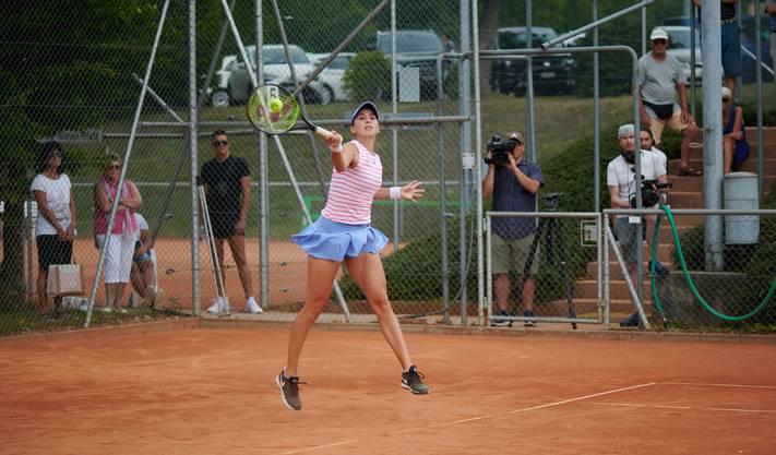 Die Schweizer Profispielerin spielte in der Qualifikation bereits gegen den TC Weihermatt.