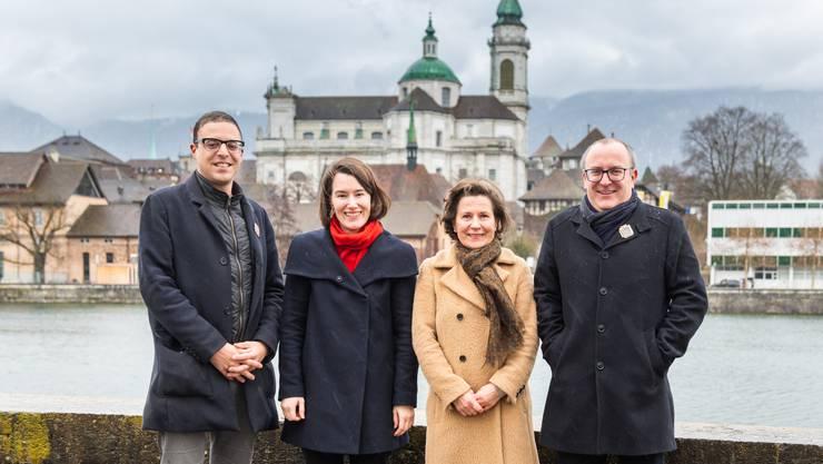 Unterschiedliche Befindlichkeiten: Charlie Schmid und Marco Lupi (beide FDP) durften sich über einen knappen Sieg freuen, Anna Rüefli (SP) und Barbara Streit-Kofmel (CVP) trauerten der vergebenen Chance nach.