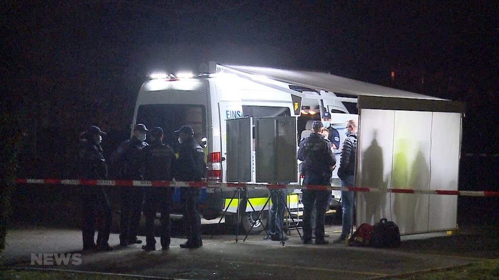 Mit Messer bewaffneter Mann verstirbt nach Polizeieinsatz in Suhr AG