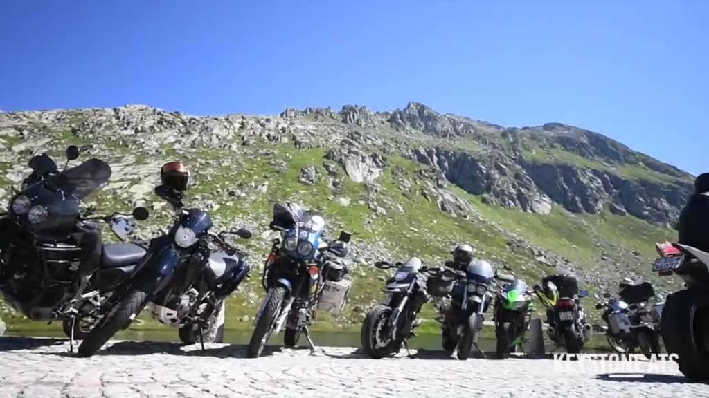 Motorradfahrer versammeln sich auf Gotthard zum Widerstand