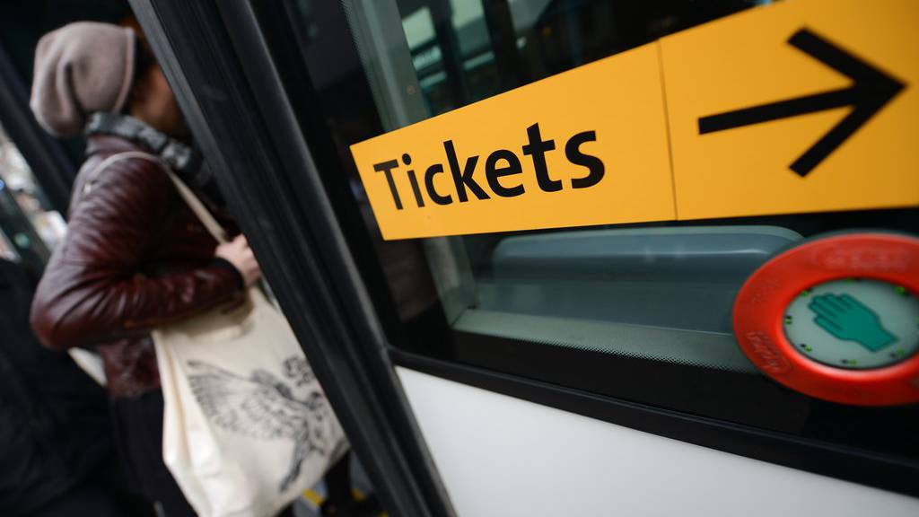 Die Schweizer Transportunternehmen führen ein gemeinsames Schwarzfahrer-Register ein. (Symbolbild)