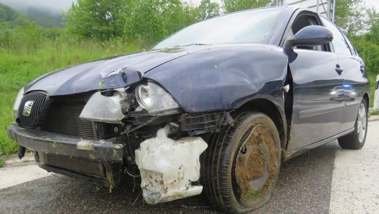 Ein 22-jähriger Automobilist verunfallte am Sonntag in der Autobahnausfahrt Frick.