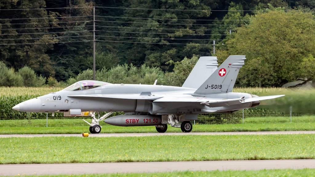 Zitterpartie: Stimmvolk sagt hauchdünn Ja zu neuen Kampfjets
