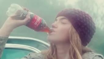 Der Getränkekonzern Coca-Cola wirbt mit einem Internet-Werbespot in Mexiko gebeten. Mittlerweile wurde der Spot zurückgezogen.