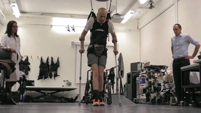 Elektrostimulation und Training lassen Gelähmte wieder gehen