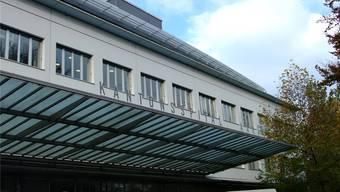 Das Kantonsspital ist von der Coronapandemie gefordert.