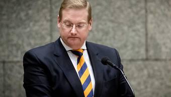 Der niederländische Justizminister Ard van der Steur hat wegen einem Justizskandal seinen Rücktritt bekannt gegeben.