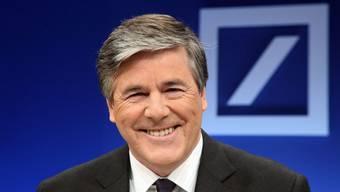 Ein Mann im Dienste des Dauerlächelns, Josef Ackermann, womöglich mächtigster Wirtschaftsführer Europas.