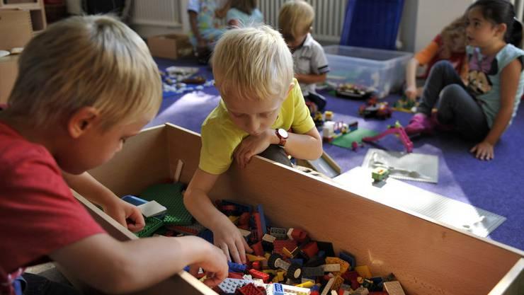 Nur noch Mundart im Kindergarten-Unterricht: Das hat das Aargauer Stimmvolk am 18. Mai 2014 entschieden. (Symbolbild)
