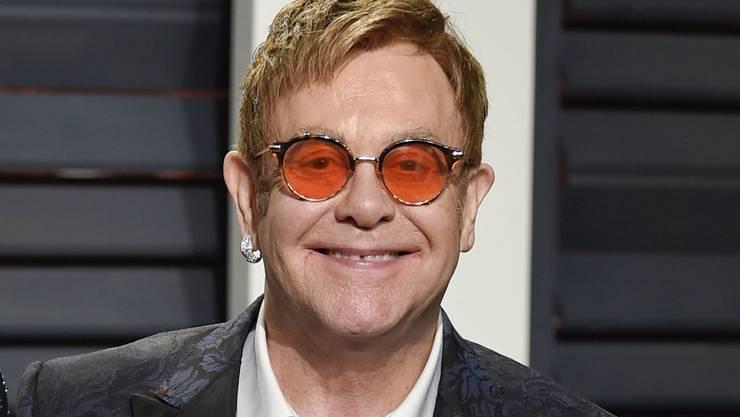 Elton John hat den verliebten Prinz Harry persönlich erlebt. Entsprechend gross ist die Freude des britischen Sängers über die anstehende royale Hochzeit. (Archivbild)