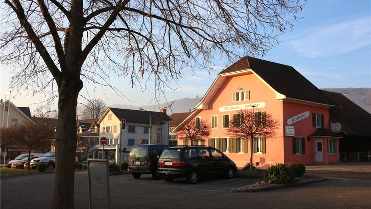 Rund 7,2 kg Heroingemisch soll der angeklagte Italiener im Zentrum von Winznau an einen Albaner verkauft haben, der am 23. Mai 2012 verhaftet und im Juli 2013 verurteilt wurde. Nach dieser Verhaftung fand die Polizei an drei Orten in Winznau Lager mit Heroingemisch, das grösste davon im «Frohsinn».