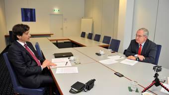 Beim Gespräch: Die Stimmung zwischen François Scheidegger (l., FDP) und Stadtpräsident Boris Banga (SP) ist spürbar angespannt.