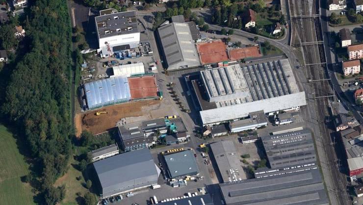 In einem Betrieb an der Bächliackerstrasse in Frenkendorf kam es zu einem chemischen Zwischenfall.