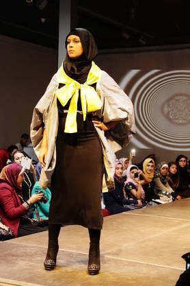 Die zehn Models wurden mittels Casting extra für die Fashion Show ausgesucht. Stolz und elegant gleiten die Damen über den Laufsteg, als täten sie es täglich