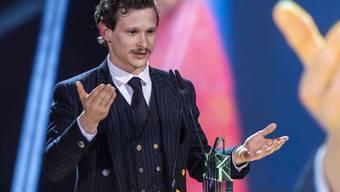 """Der Schweizer Schauspieler Joel Basman wurde just zu seinem 30. Geburtstag in der Kategorie bester Darsteller im Spielfilm """"Der Büezer"""" für einen Filmpreis 2020 nominiert - nachdem er bereits 2019 einen Quarz für seine Rolle in """"Wolkenbruch"""" erhalten hatte. (Archivbild)"""