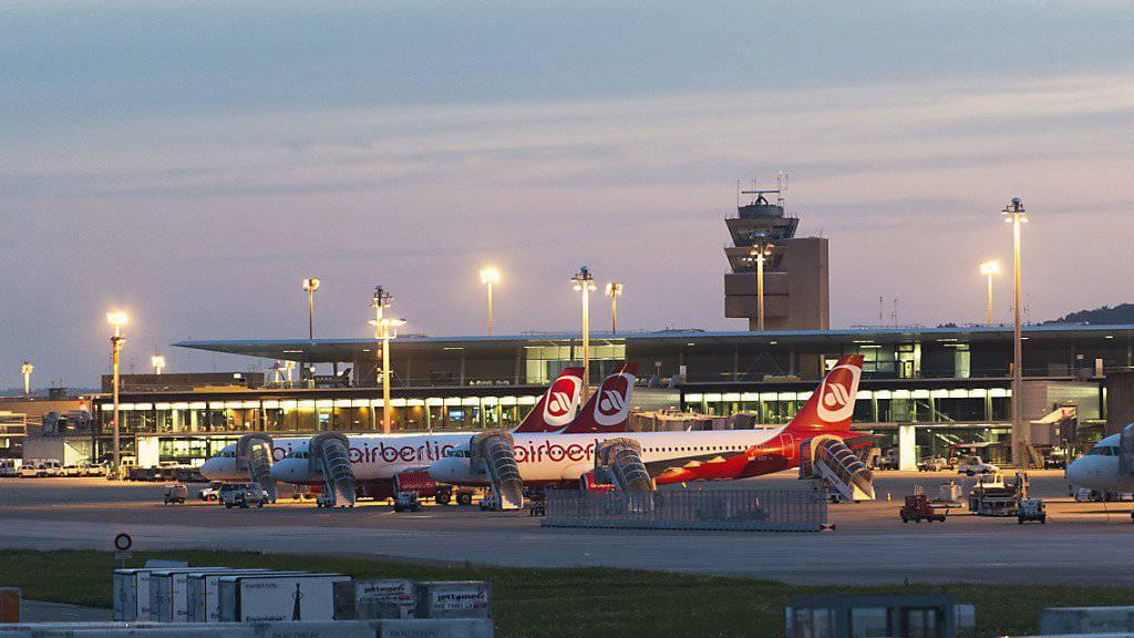 Air Berlin hat entschieden: Der deutsche Billigflieger wird Schweizer Tochter Belair ab kommenden Herbst einstellen. (Archiv)